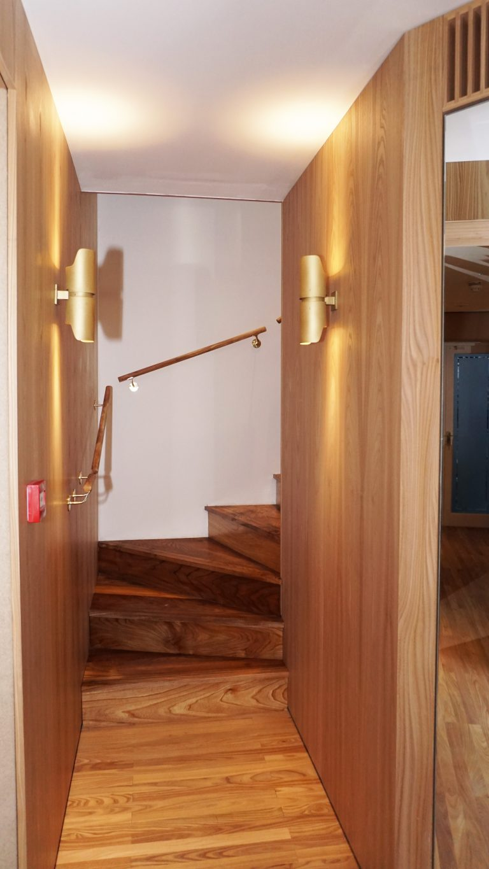 Escalier vers le sous-sol